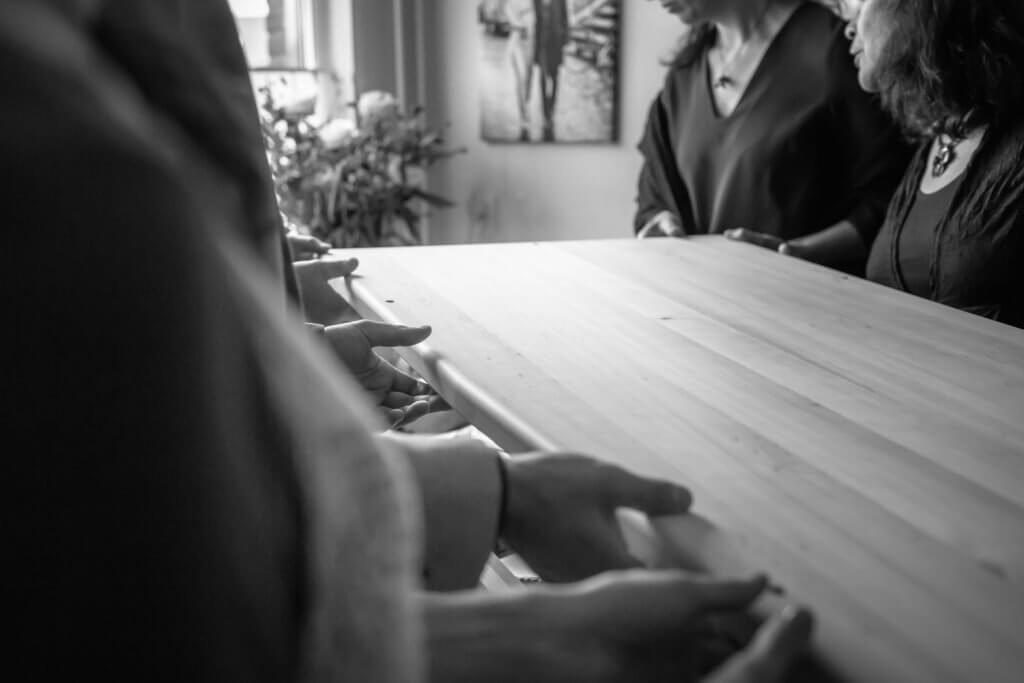 Anouk Raaphorst fotografie, Begrafenis, Documentaire Rouwfotografie, I Shoot Memories, Portretfotografie, Rouwceremonie, Rouwfotografie, Uitvaartfotograaf, uitvaartfotografie